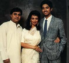 Jagjeet Singh-Chitra Singh with their son Vivek who died in a car accident in the 1990s